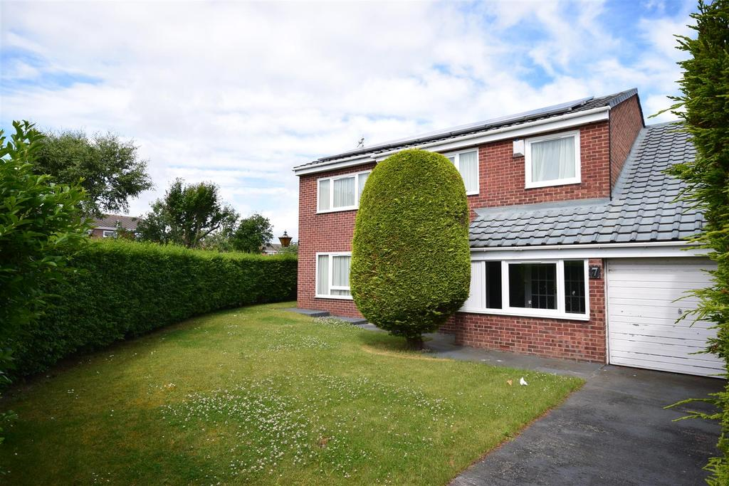 5 Bedrooms Detached House for sale in Gairsay Close, Ryhope, Sunderland