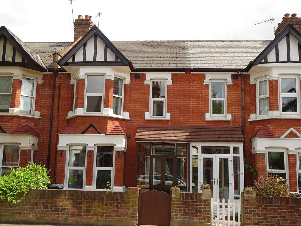 3 Bedrooms House for sale in Elthorne Avenue, Hanwell