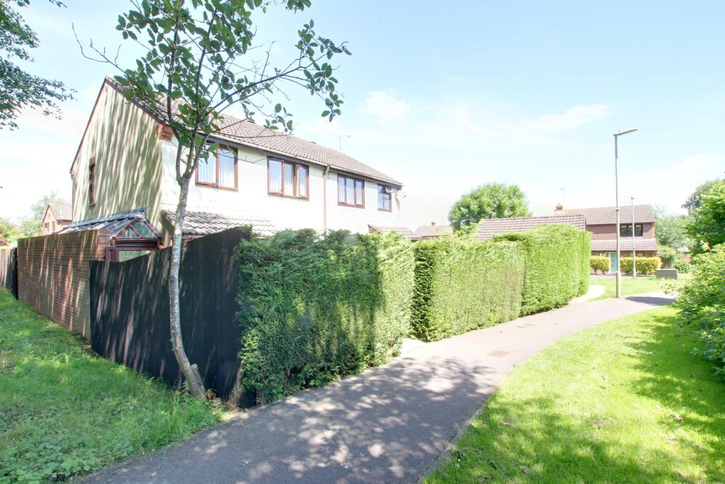 3 Bedrooms Semi Detached House for sale in PADDOCK END DENMEAD