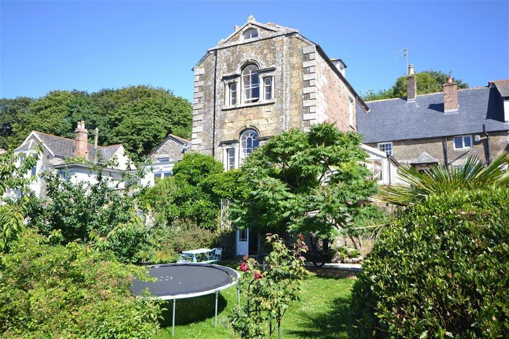 4 Bedrooms Semi Detached House for sale in Cross Street, Helston, Cornwall, TR13