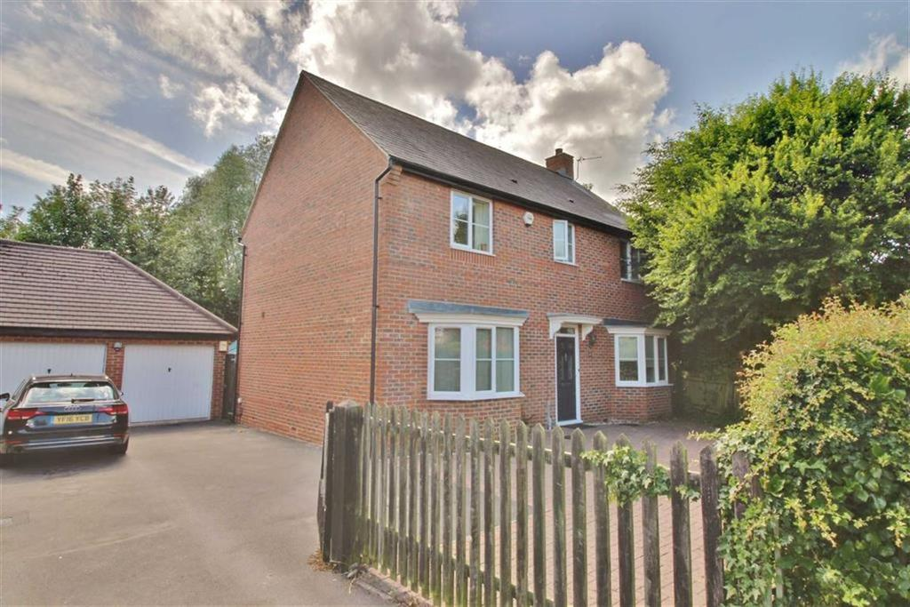 4 Bedrooms Detached House for sale in Bristol Road, Stonehouse, Gloucestershire