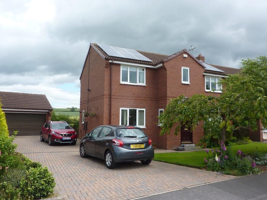 4 Bedrooms Detached House for sale in Turker Lane, Northallerton