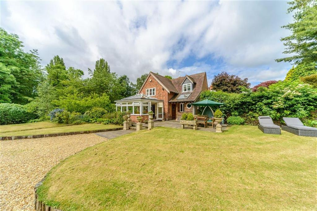 3 Bedrooms Country House Character Property for sale in Pinley Green, Nr Claverdon, Warwick, CV35