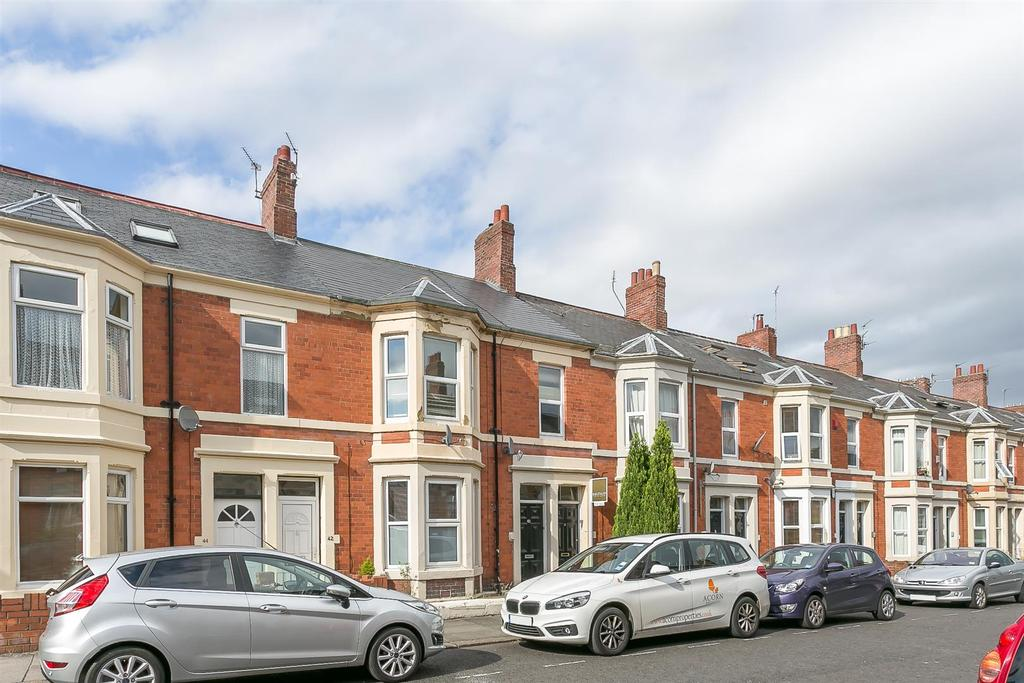 3 Bedrooms Flat for sale in Coniston Avenue, West Jesmond, Newcastle upon Tyne