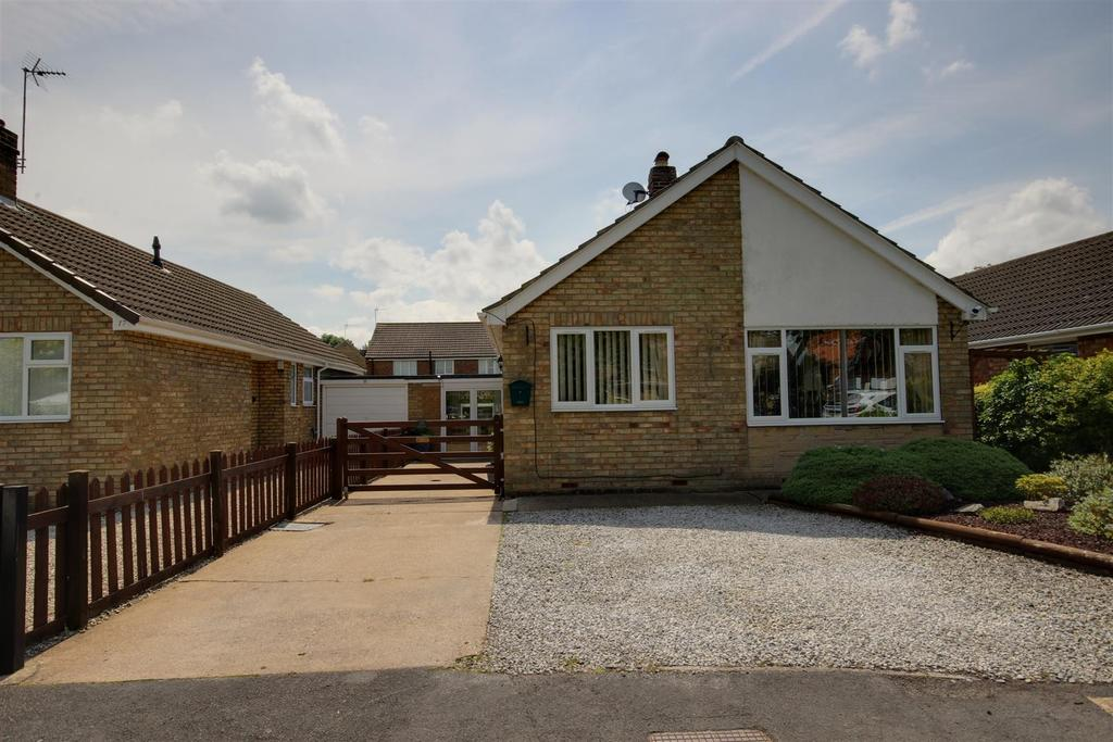 3 Bedrooms Detached Bungalow for sale in Oaklands, Gilberdyke, Brough