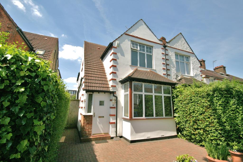 4 Bedrooms Semi Detached House for sale in Selby Road, Ealing W5