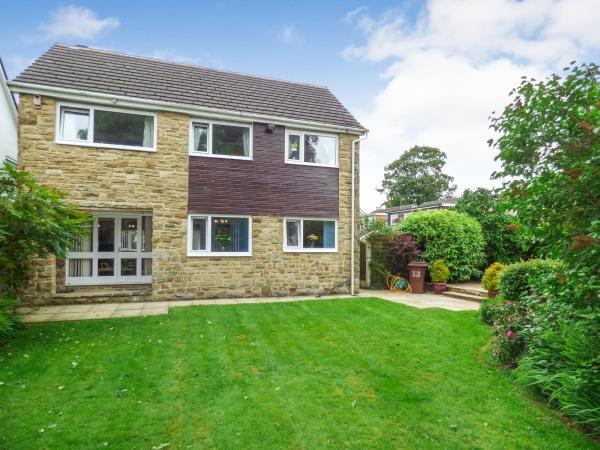 4 Bedrooms Detached House for sale in 21 Walker Close, Glusburn BD20 8PW