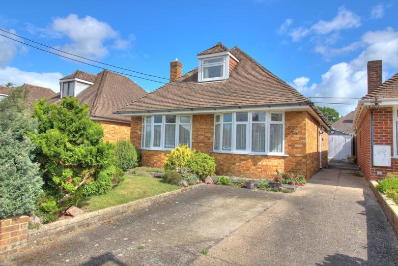 2 Bedrooms Chalet House for sale in Southdene Road, Chandlers Ford