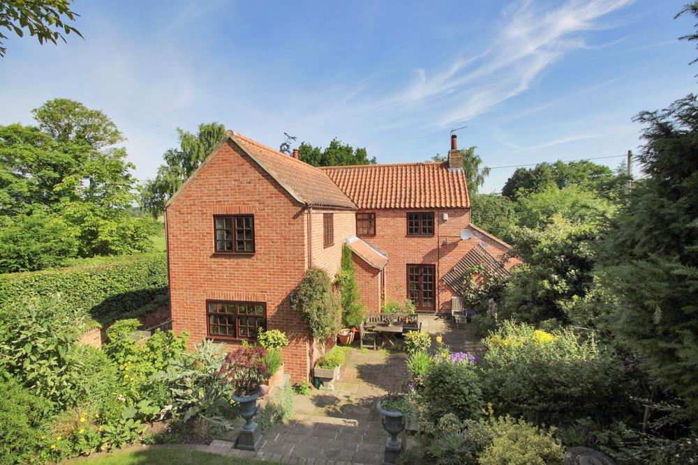 3 Bedrooms Detached House for sale in Hoe Lane, Cropwell Butler, Nottingham