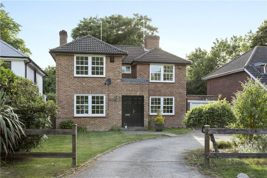 4 Bedrooms Detached House for sale in The Fairway, Weybridge, Surrey, KT13