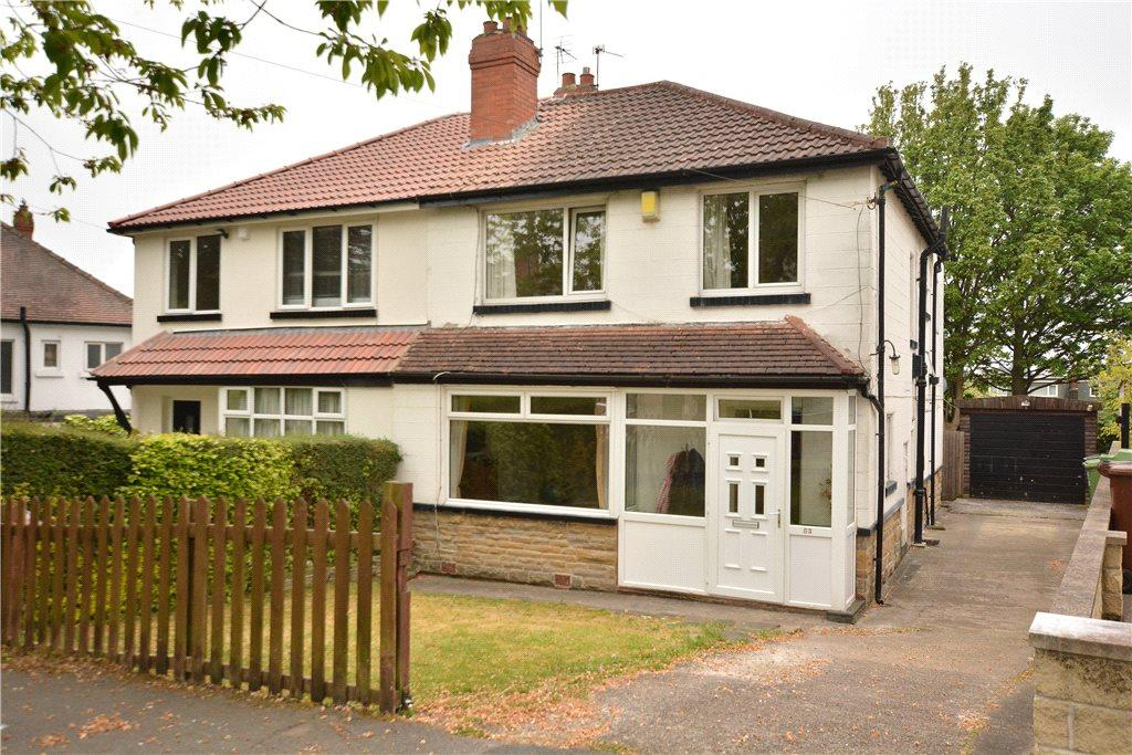 3 Bedrooms Semi Detached House for sale in Stainburn Crescent, Leeds, West Yorkshire