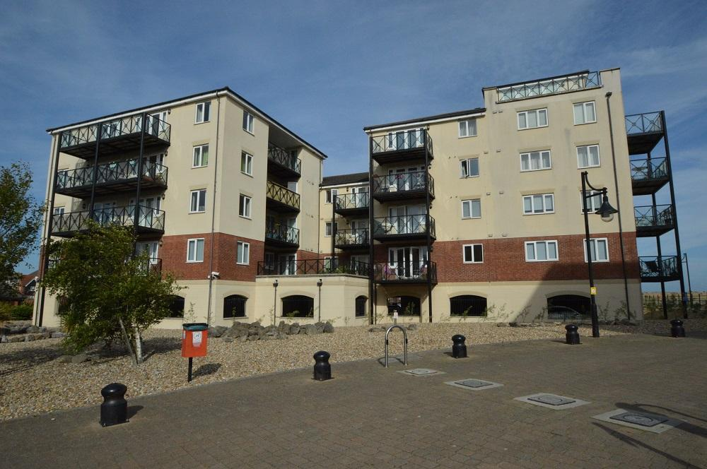 2 Bedrooms Flat for sale in Macquarie Quay, Eastbourne bn23