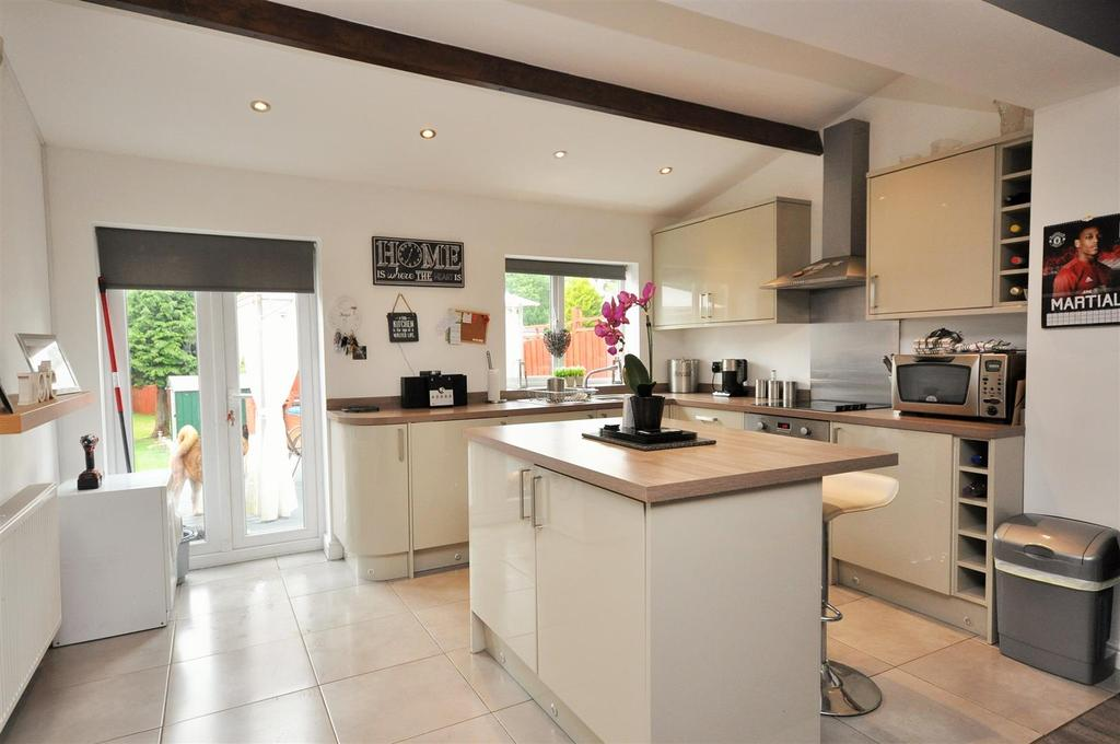 2 Bedrooms Semi Detached House for sale in Millfield Lane, Hull Road, York