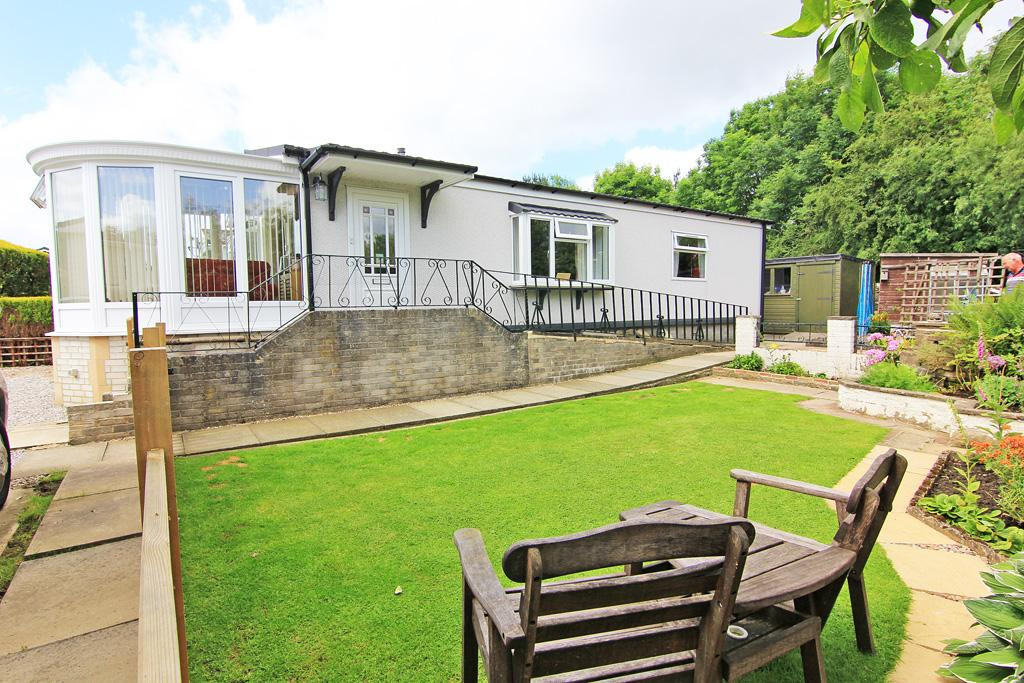 2 Bedrooms Park Home Mobile Home for sale in 16 Crag View, Overdale Park, Skipton,