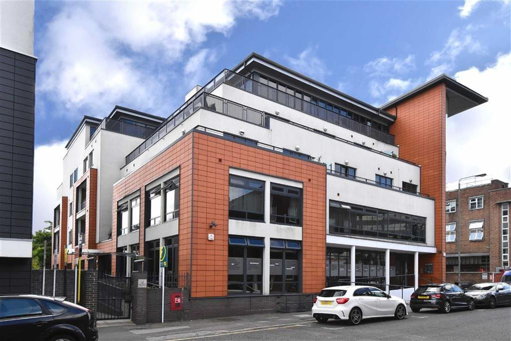 2 Bedrooms Flat for sale in Sherman Road, Bromley, Kent