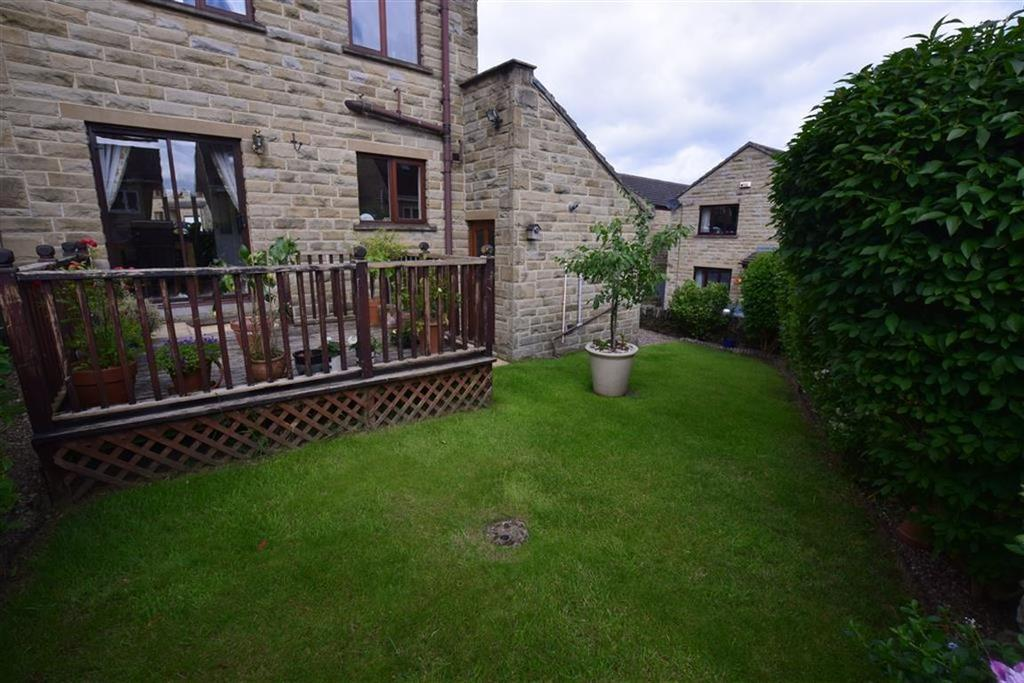3 Bedrooms Detached House for sale in Well Ings Close, Shepley, Huddersfield, HD8