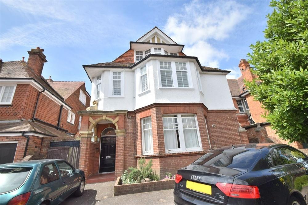 3 Bedrooms Flat for sale in Arlington Road, Saffrons, East Sussex