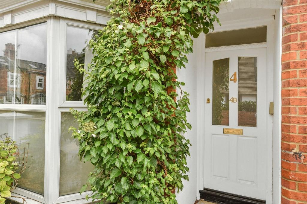 2 Bedrooms Flat for sale in Hyde, Winchester, Hampshire