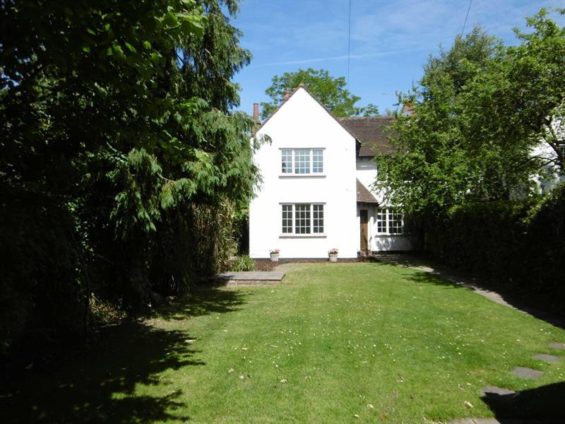 3 Bedrooms Semi Detached House for sale in 4 Oakshade Road, Oxshott