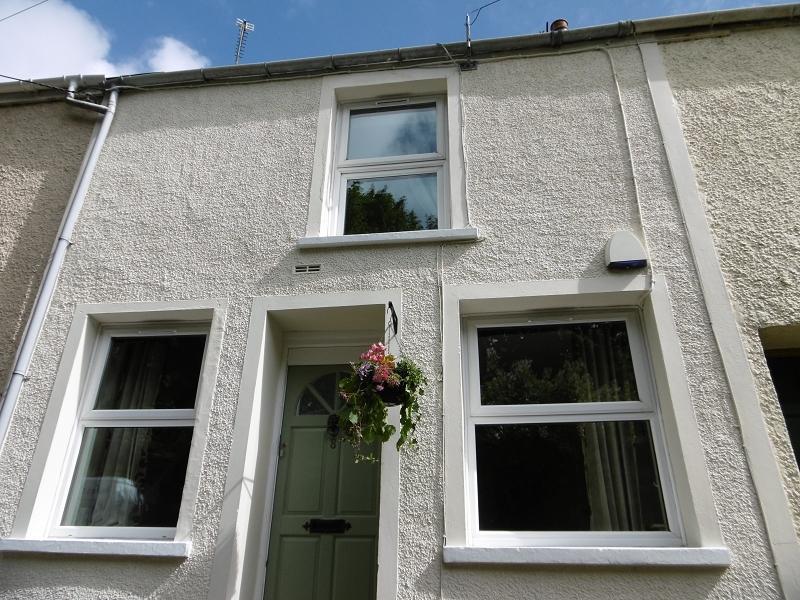 2 Bedrooms Terraced House for sale in The Graig , Bridgend, Bridgend.