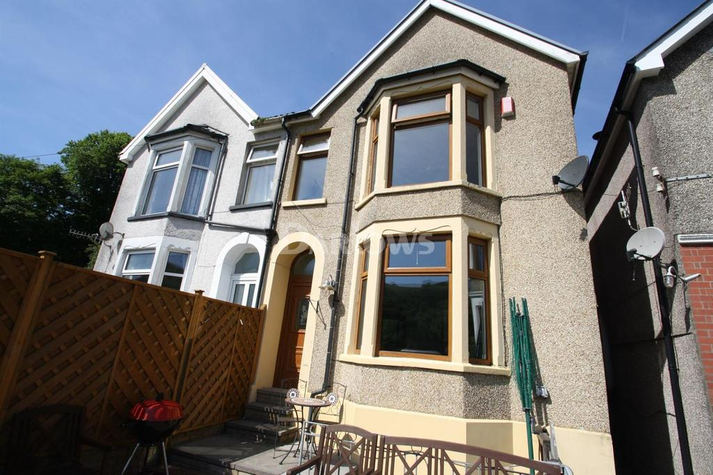 3 Bedrooms Semi Detached House for sale in Ynyshir Rd, Porth