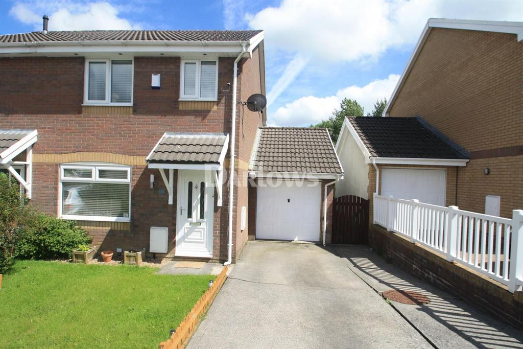 3 Bedrooms End Of Terrace House for sale in Pen-y-Parc, Ebbw Vale, Gwent