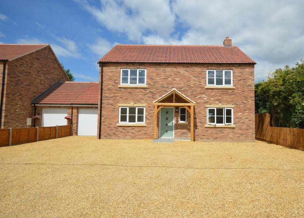 4 Bedrooms Detached House for sale in New Build, White Plot Road, Methwold Hythe