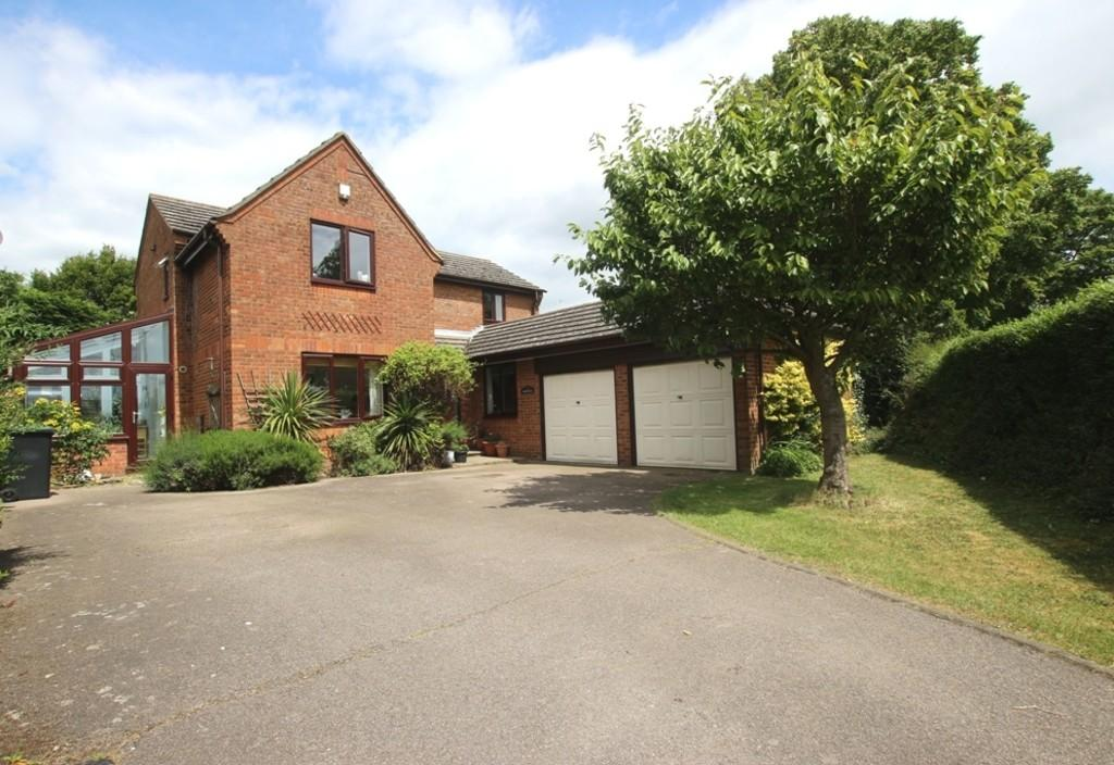 4 Bedrooms Detached House for sale in Pilgrims Way, Ely