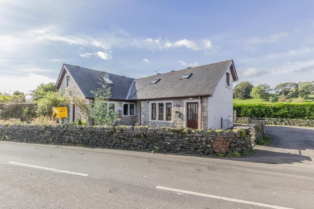 3 Bedrooms Detached Bungalow for sale in Hesleyholme, Burneside