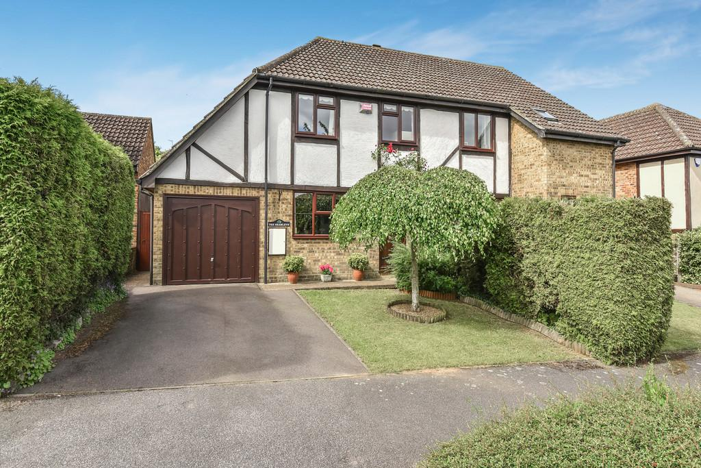 3 Bedrooms Semi Detached House for sale in Old Orchard Lane, Leybourne