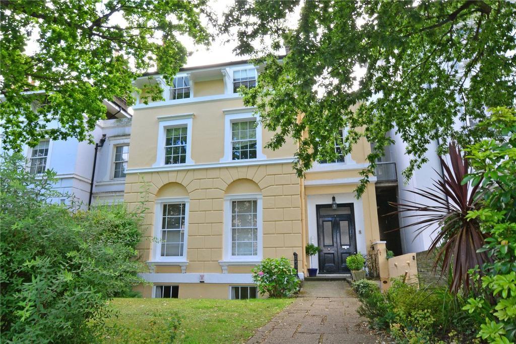 3 Bedrooms Flat for sale in Lee Terrace, Blackheath, London, SE3