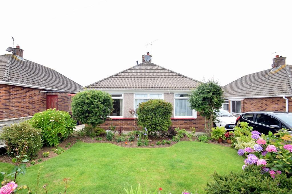 3 Bedrooms Detached Bungalow for sale in 33 Westfield Crescent, Nottage, Porhcawl, Bridgend County Borough, CF36 3SG.