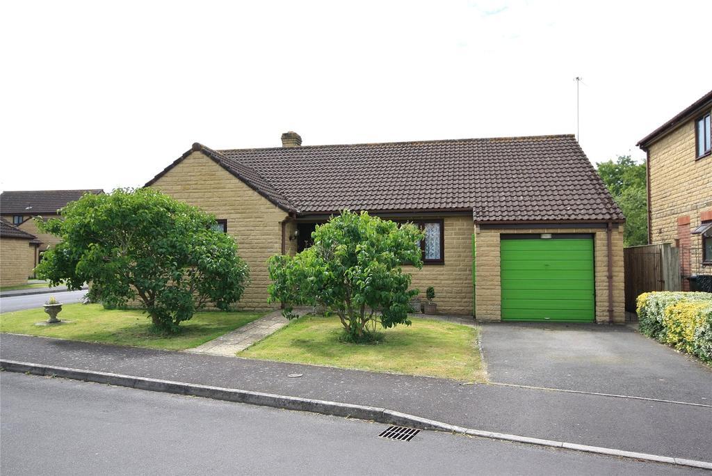 3 Bedrooms Bungalow for sale in Greendale, Ilminster, Somerset, TA19
