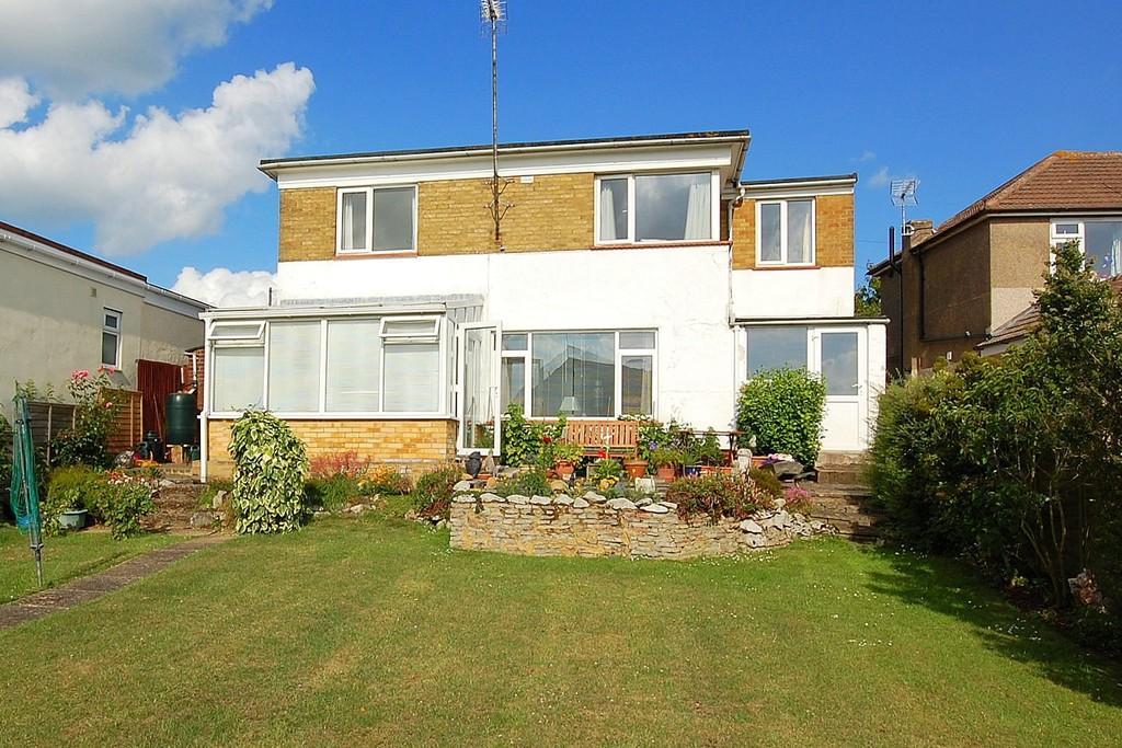 4 Bedrooms Detached House for sale in Mickleburgh Avenue, Herne Bay