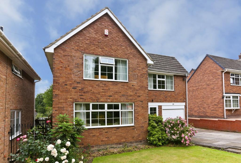4 Bedrooms Detached House for sale in Manygates Lane, Sandal