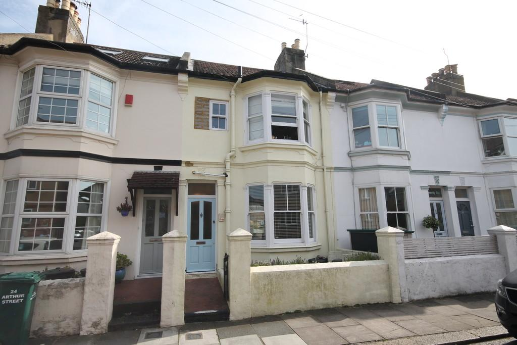 3 Bedrooms Terraced House for sale in Arthur Street, Hove, BN3 5FD