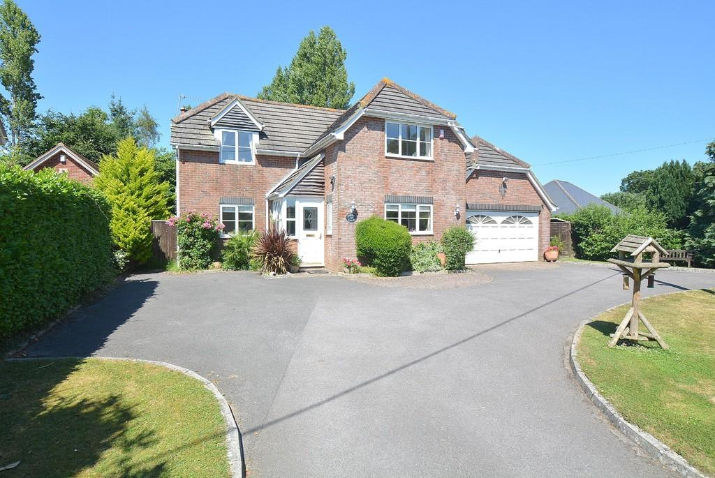 4 Bedrooms Detached House for sale in Holt, Wimborne