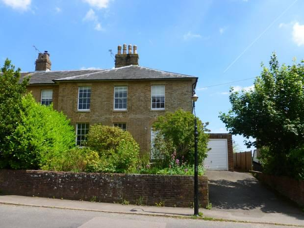 3 Bedrooms House for sale in Waterloo Place, Cranbrook, Kent, TN17 3JH