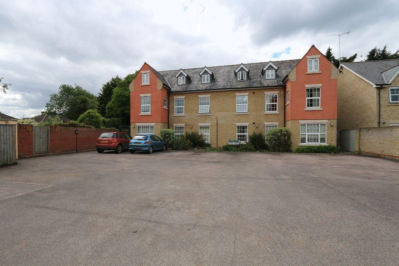 2 Bedrooms Apartment Flat for sale in Cambridge Court, Ely