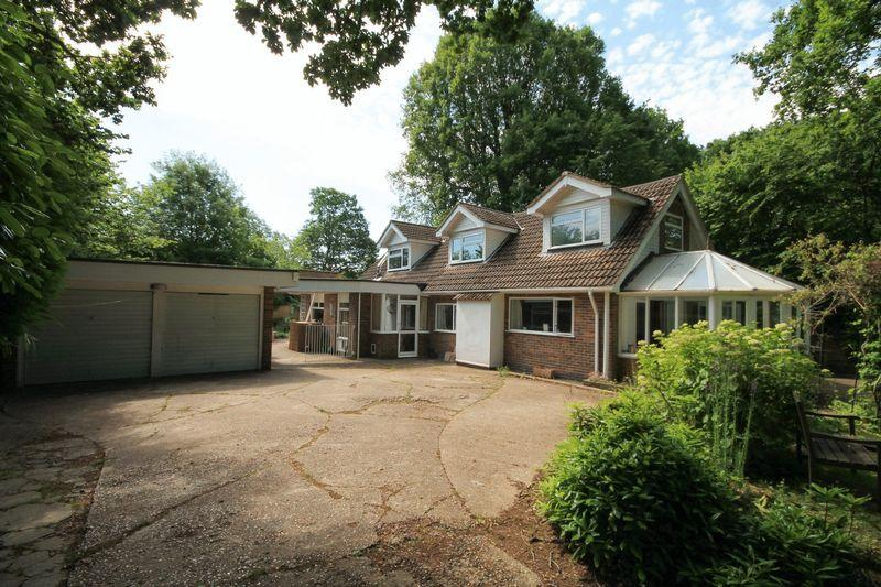 5 Bedrooms Detached House for sale in Chalk Road, Ifold