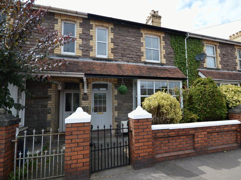 3 Bedrooms Terraced House for sale in Merthyr Road, Abergavenny