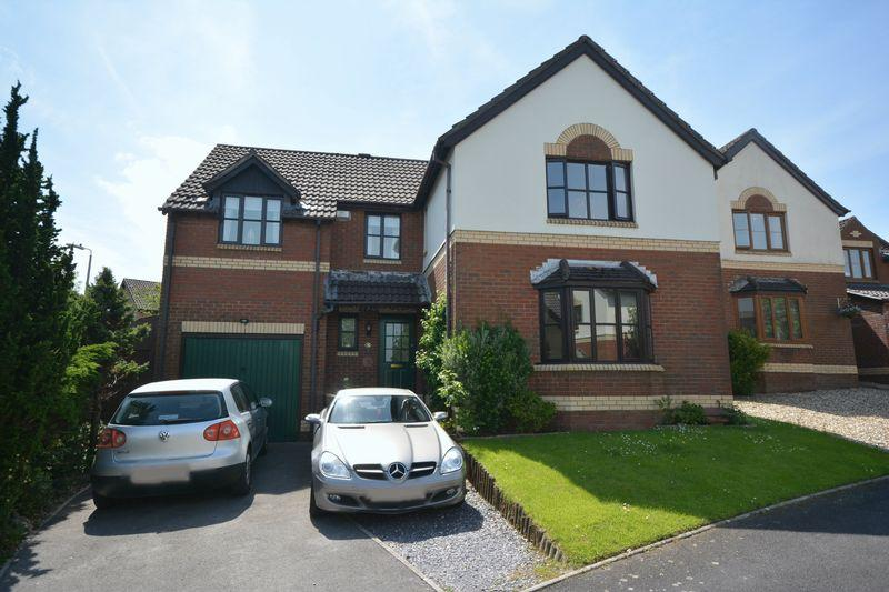 4 Bedrooms Detached House for sale in 32 Hollyhock Drive, Bridgend CF31 2NS