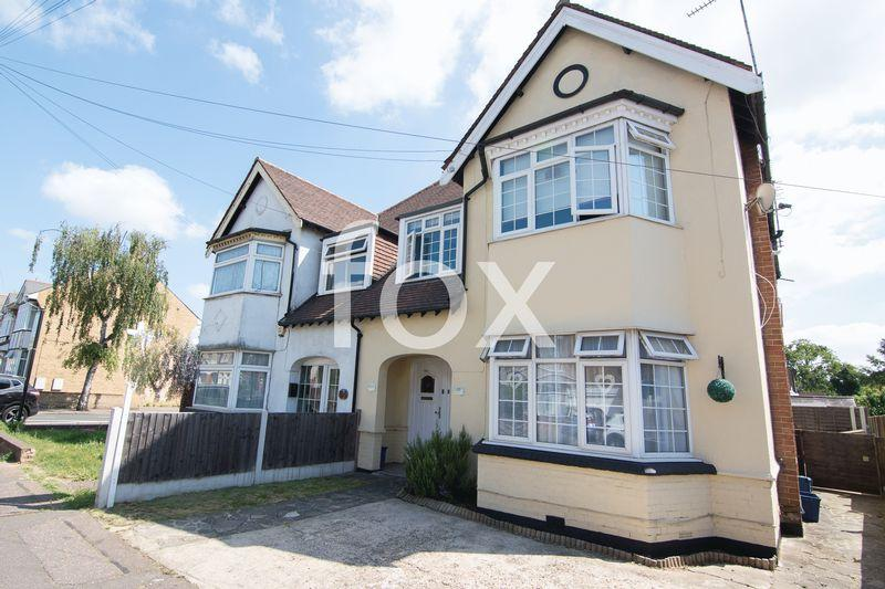 2 Bedrooms Apartment Flat for sale in Bournemouth Park Road, South Church