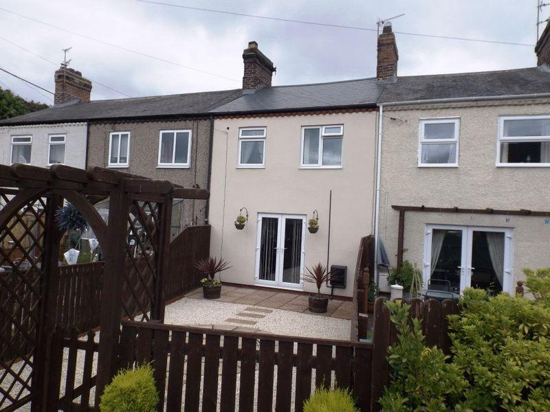 3 Bedrooms Terraced House for sale in Stannington, Station Road, Three Bedroom Mid-Terraced House