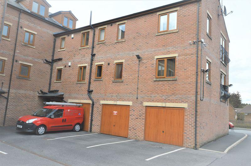 2 Bedrooms Flat for sale in Clock Tower Court, Rochdale