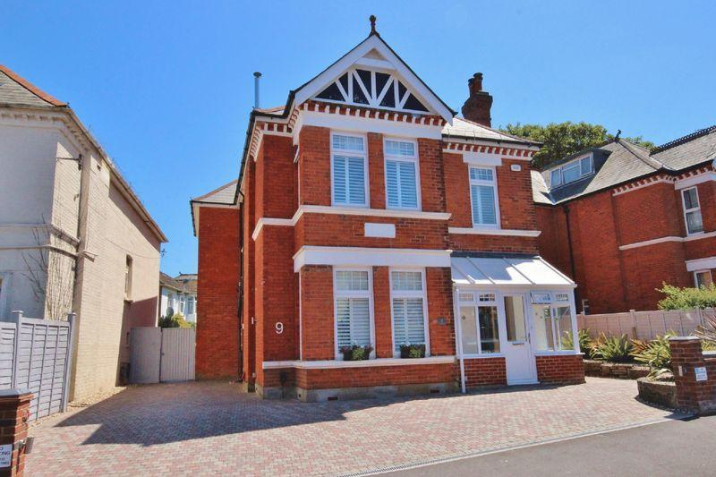 5 Bedrooms Detached House for sale in Beresford Road, Southbourne, Bournemouth