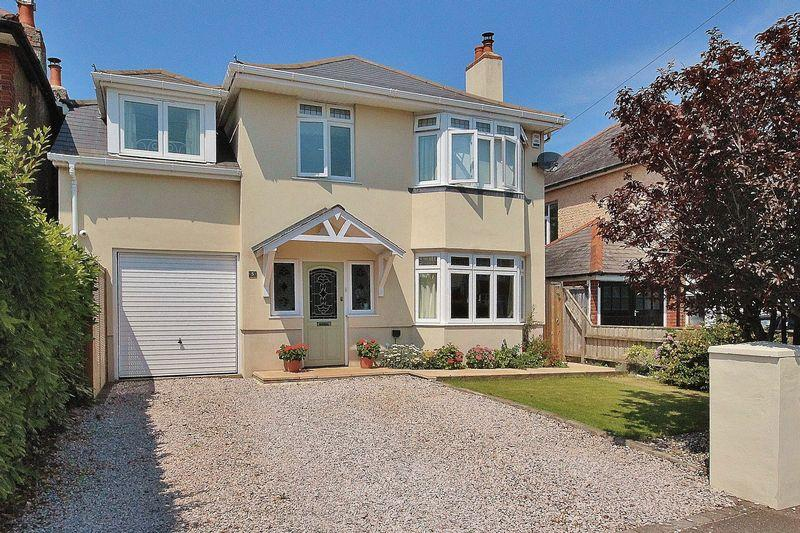 4 Bedrooms Detached House for sale in Hengistbury Head, Bournemouth