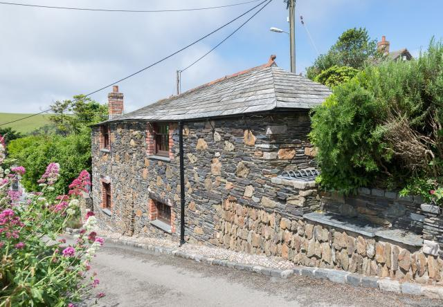 2 Bedrooms House for sale in First and Last, Trewetha Lane, Port Isaac