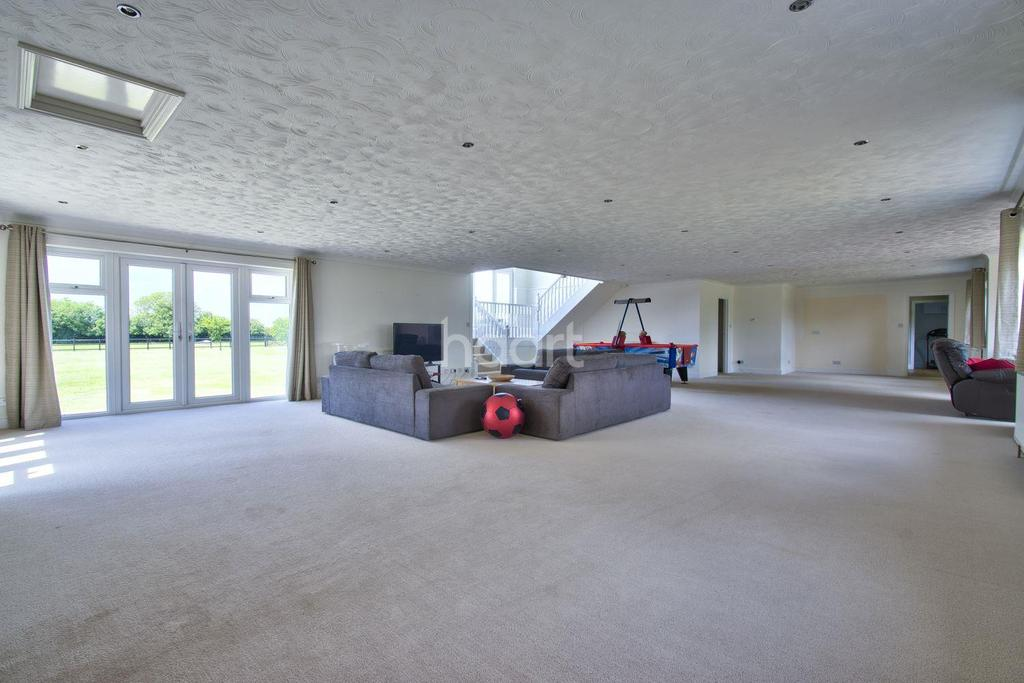 6 Bedrooms Detached House for sale in Birds Drove, Sutton St James