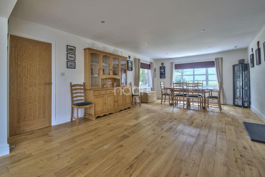 6 Bedrooms Detached House for sale in Birds Drove, Sutton St James